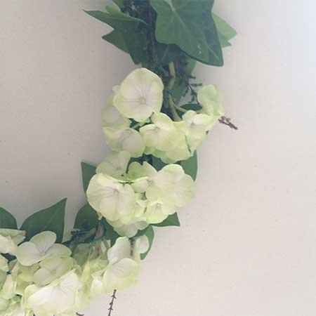 Atelier couronne de fleurs à Paris - Team building, EVJF
